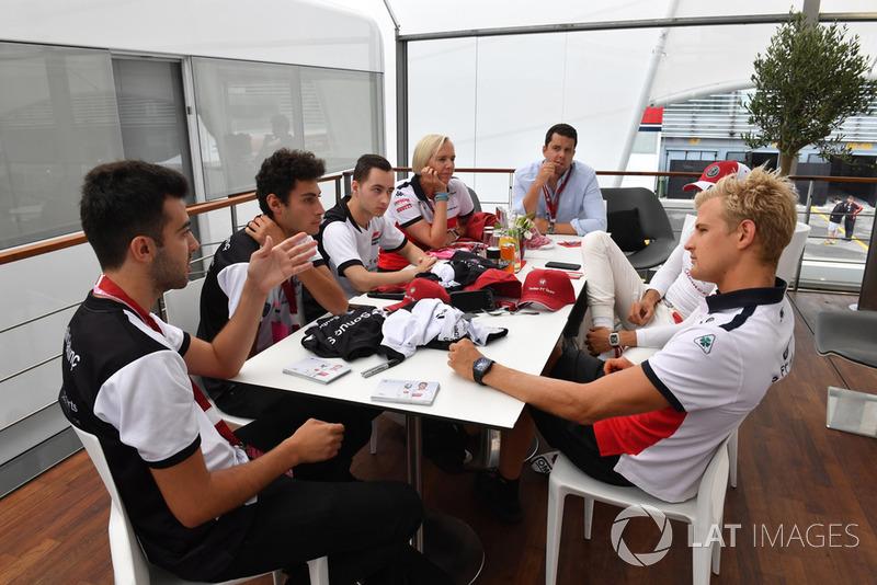 Charles Leclerc, Alfa Romeo Sauber F1 Team and Marcus Ericsson, Alfa Romeo Sauber F1 Team with Alfa Romeo Sauber F1 Team eSports drivers