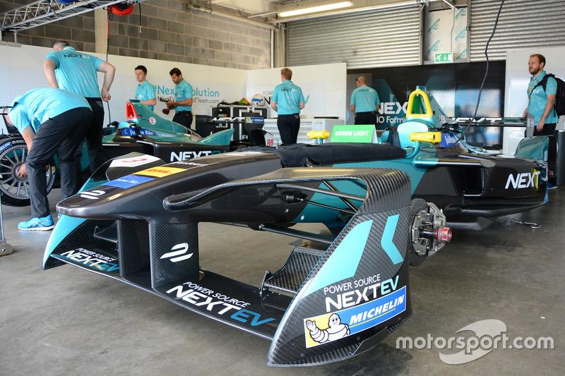 Area garage del NEXTEV TCR Formula E Team
