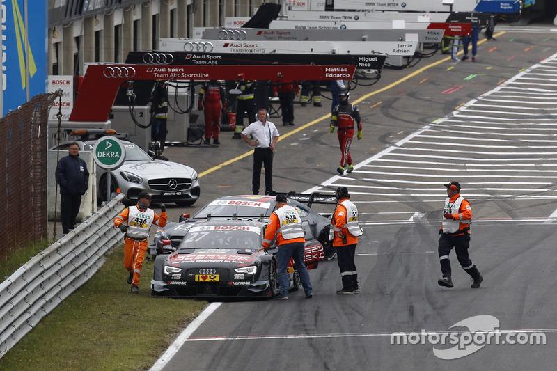 Adrien Tambay, Audi Sport Team Rosberg, Audi RS 5 DTM and Maximilian Götz, Mercedes-AMG Team HWA, Mercedes-AMG C63 DTM, after the start crash