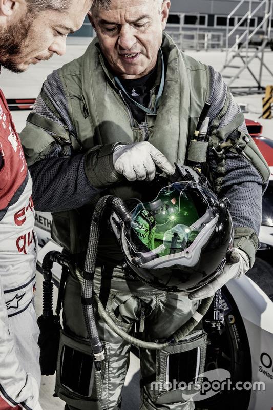 Test pilot Geri Krähenbühl with Andre Lotterer, Audi Sport Team Joest