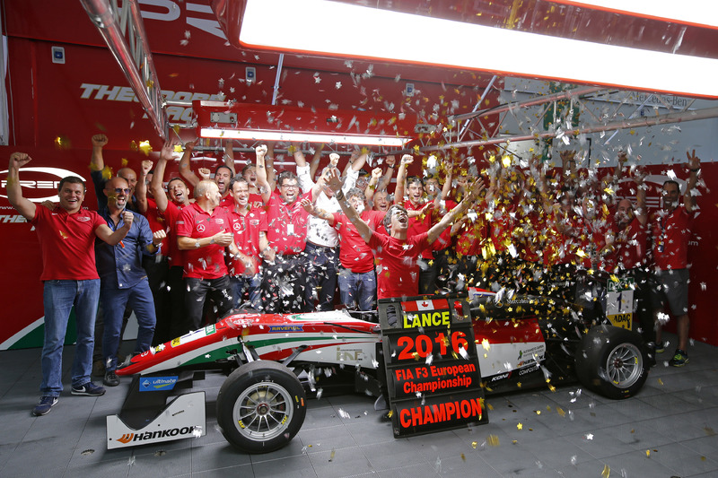 2016 Champion Lance Stroll, Prema Powerteam Dallara F312 – Mercedes-Benz celebrate with team