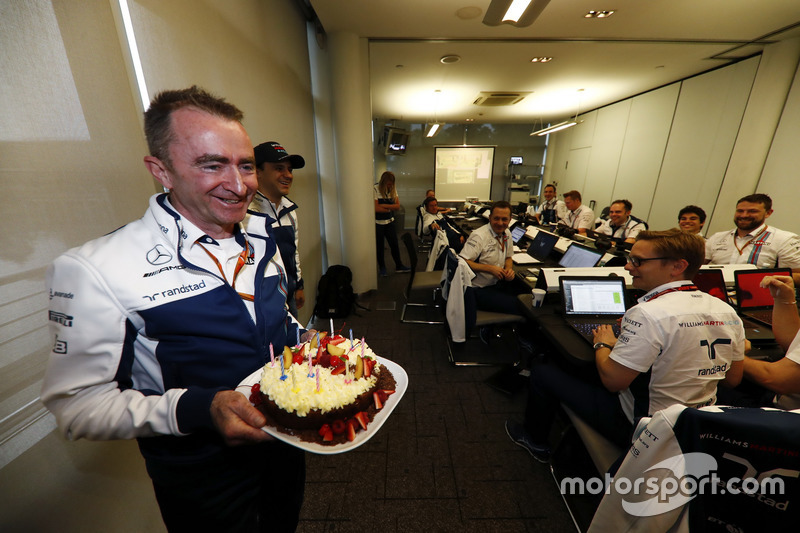 Paddy Lowe, Williams Formula 1, celebrates his birthday with cake and his Williams team mates