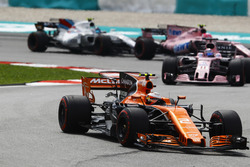 Стоффель Вандорн, McLaren MCL32, Серхіо Перес, Естебан Окон, Sahara Force India F1 VJM10, Ленс Стролл, Williams FW40