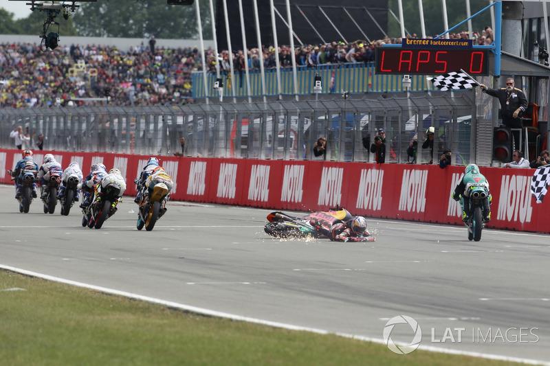 Bo Bendsneyder, Red Bull KTM Ajo y la bandera a cuadros