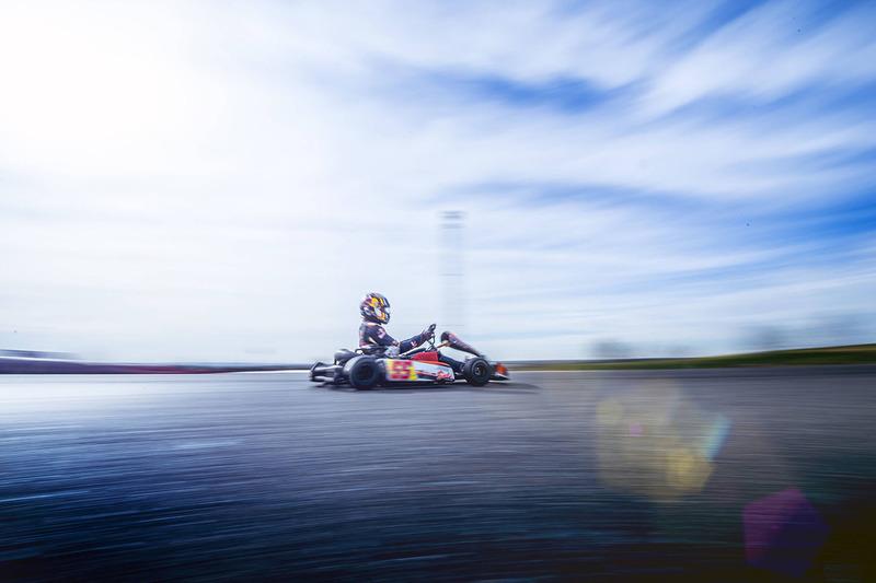 Carlos Sainz Jr., Scuderia Toro Rosso traint op de Karting Club Correcaminos in Recas