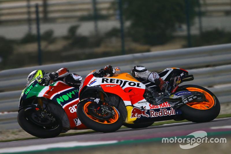 Aleix Espargaro, Aprilia Racing Team Gresini; Marc Marquez, Repsol Honda Team