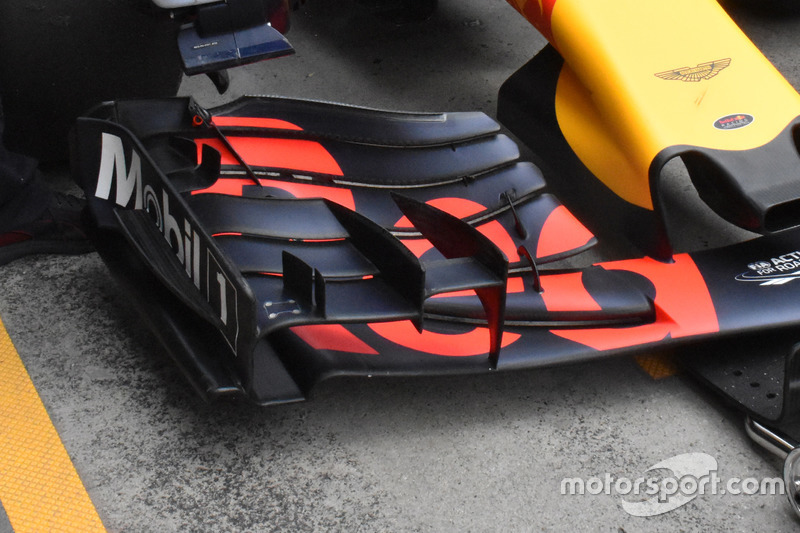 Max Verstappen, Red Bull Racing RB13, ala anteriore