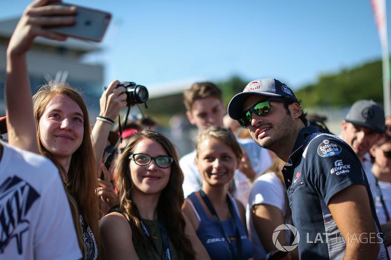 Карлос Сайнс-молодший, Scuderia Toro Rosso