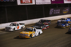 Kaz Grala, GMS Racing Chevrolet, Ryan Truex, Hattori Racing Enterprises Toyota, y Ben Rhodes, ThorSport Racing Toyota