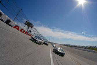 Kurt Busch, Stewart-Haas Racing, Ford Fusion Monster Energy / Haas Automation, Clint Bowyer, Stewart-Haas Racing, Ford Fusion Cummins/Rush Truck Centers