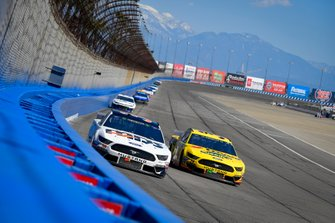 David Ragan, Front Row Motorsports, Ford Mustang MDS Trucking, Michael McDowell, Front Row Motorsports, Ford Mustang Love's Travel Stops