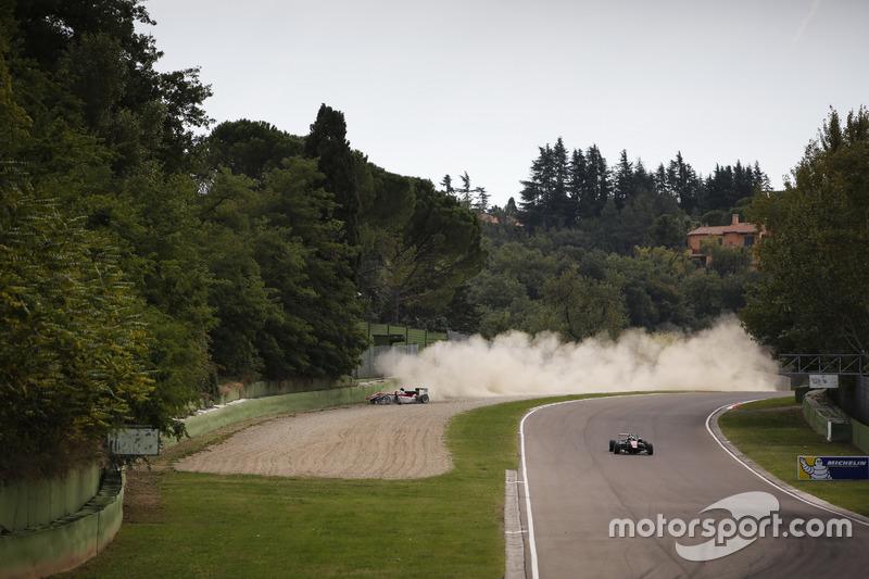 Crash: Maximilian Günther, Prema Powerteam Dallara F312, Mercedes-Benz