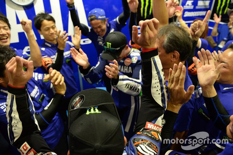 Yamaha Factory Racing feiert den Sieg