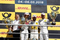 Podyum: Yarış galibi Timo Glock, BMW Team RMG, 2. Mike Rockenfeller, Audi Sport Team Phoenix, 3. Gary Paffett Mercedes-AMG Team HWA, Stefan Reinhold, Takım patronu, BMW Team RMG