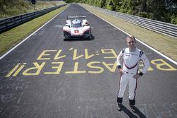 Timo Bernhard con la Porsche 919 Hybrid Evo