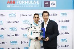 Sébastien Buemi, Renault e.Dams, riceve il Julius Bar pole position award