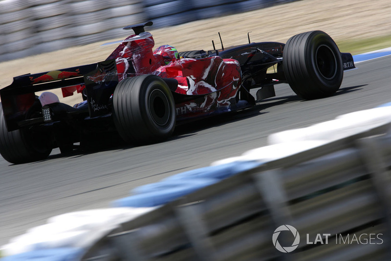 "9. <img src=""https://cdn-8.motorsport.com/static/img/cfp/0/0/0/100/108/s3/italy-2.jpg"" alt="""" width=""20"" height=""12"" />Vitantonio Liuzzi - 80 Grands Prix (2005-2007, 2009-2011)"