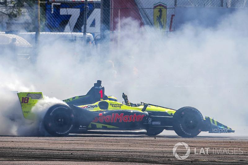 Race winner Sébastien Bourdais, Dale Coyne Racing with Vasser-Sullivan Honda