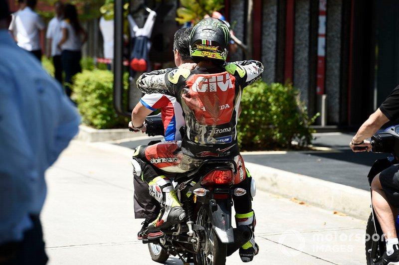 Cal Crutchlow, LCR Honda Castrol, tras el accidente