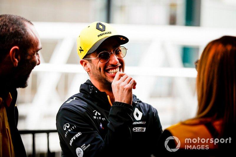 Daniel Ricciardo, Renault de camino al evento de Federation Square