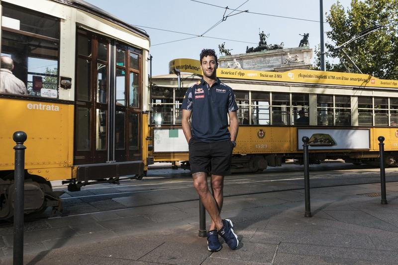 Daniel Ricciardo  Arco della Pace'de