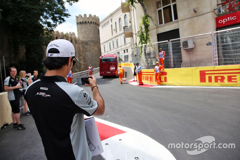 Серхіо Перес, Sahara Force India F1 йде по треку