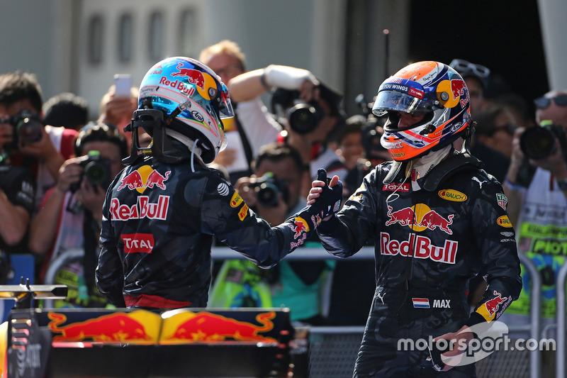 Sieger Daniel Ricciardo, Red Bull Racing und 2. Platz Max Verstappen, Red Bull Racing