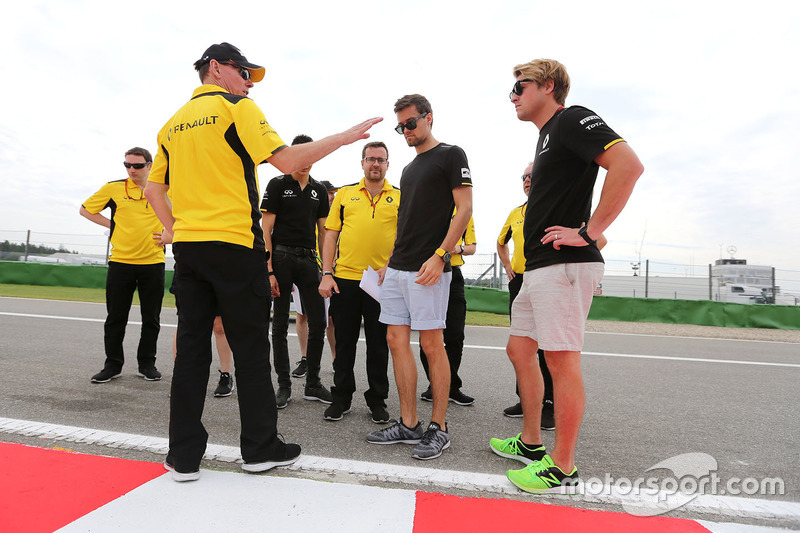 Alan Permane, Renault Sport F1 Team and Jolyon Palmer, Renault Sport F1 Team