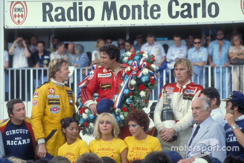 Mario Andretti, Team Lotus Ford, Ronnie Peterson, Team Lotus Ford,  James Hunt, McLaren Ford