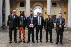 Stefano Comini a Lugano con il sindaco Marco Borradori, i municipali Michele Foletti e Roberto Badaracco e il segretario comunale Robert Bregy.