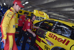 Joey Logano, Team Penske. Ford, mit Crewchief Todd Gordon