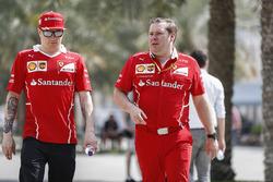 Sebastian Vettel, Ferrari, with Dave Greenwood, Ferrari Race Engineer