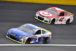 Jamie McMurray, Chip Ganassi Racing Chevrolet and Kyle Larson, Chip Ganassi Racing Chevrolet