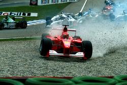 Start action, Crash of Michael Schumacher, Ferrari F1 2000