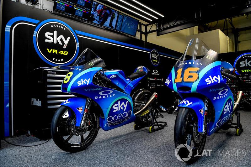 "Le moto di Stefano Manzi, Sky Racing Team VR46 e Francesco Bagnaia, Sky Racing Team VR46 con la livrea ""Sky Ocean Rescue"""