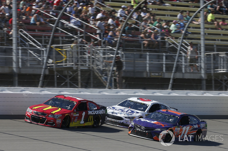 Denny Hamlin, Joe Gibbs Racing Toyota Jamie McMurray, Chip Ganassi Racing Chevrolet