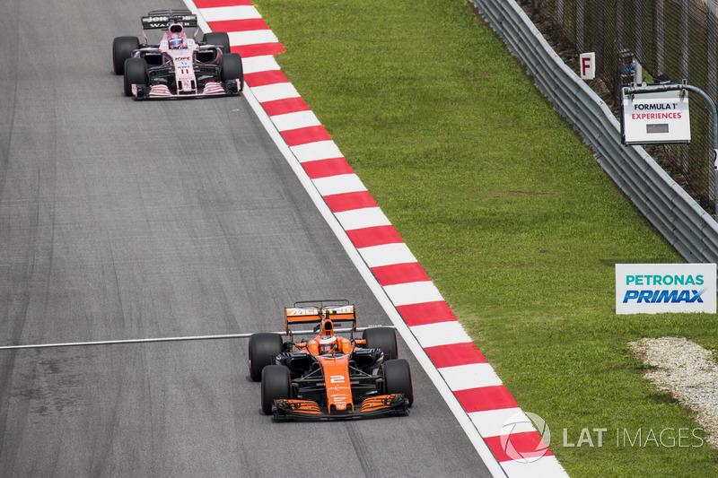 Стоффель Вандорн, McLaren MCL32, Серхіо Перес, Sahara Force India F1 VJM10