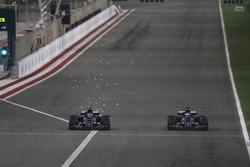 Pascal Wehrlein, Sauber C36-Ferrari, battles with team mate Marcus Ericsson, Sauber C36