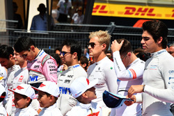 Marcus Ericsson, Sauber and Lance Stroll, Williams on the grid