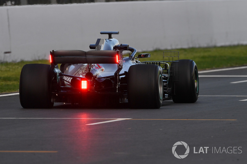 Lewis Hamilton, Mercedes-AMG F1 W09 with lights on rear wing