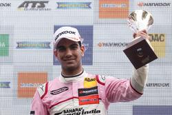 Podio: tercer puesto Jehan Daruvala, Carlin Dallara F317 - Volkswagen