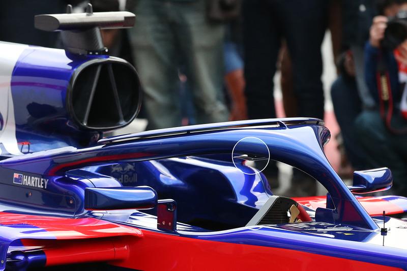 «Плавник» на системе Halo, Scuderia Toro Rosso STR13