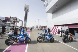 Motocicletas haciendo fila para verificaciones