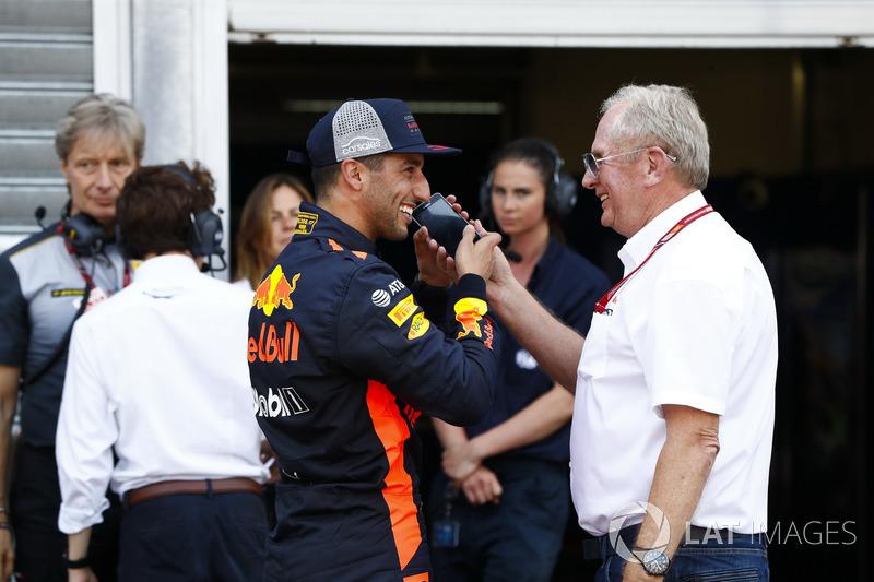 Daniel Ricciardo, Red Bull Racing, Helmut Markko, Consultant, Red Bull Racing