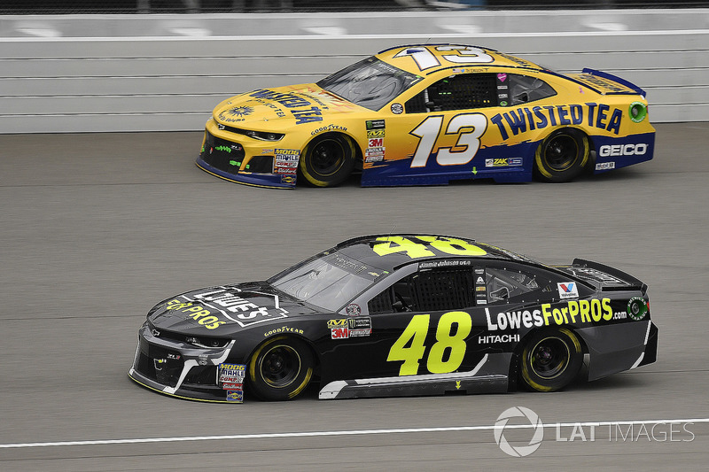 Jimmie Johnson, Hendrick Motorsports, Chevrolet Camaro Lowe's for Pros e Ty Dillon, Germain Racing