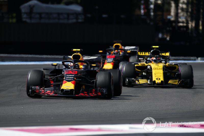 Макс Ферстаппен, Red Bull Racing RB14, Карлос Сайнс-мол., Renault Sport F1 Team R.S. 18, Даніель Ріккардо, Red Bull Racing RB14