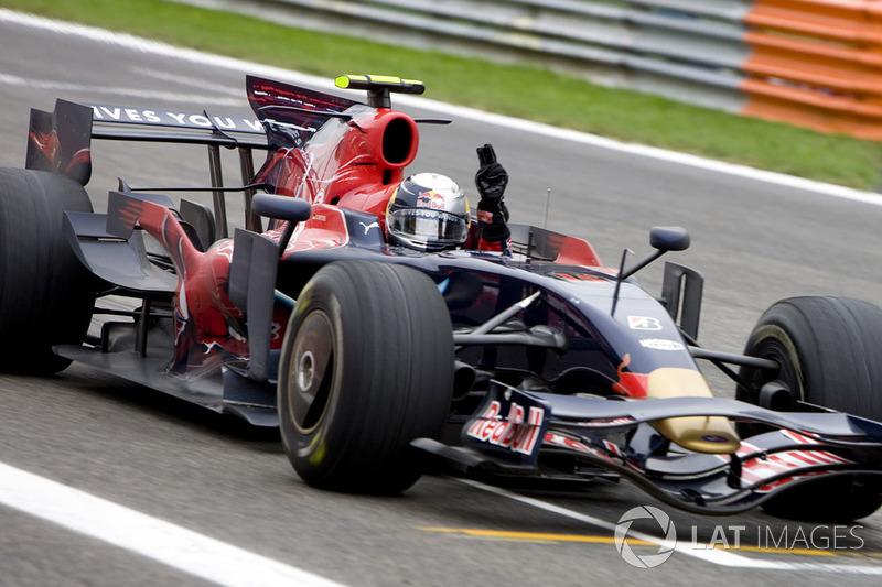 На Гран При Италии-2008 Себастьян Феттель одержал свою первую победу в карьере