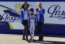 Ruhaan Alva with grid girls