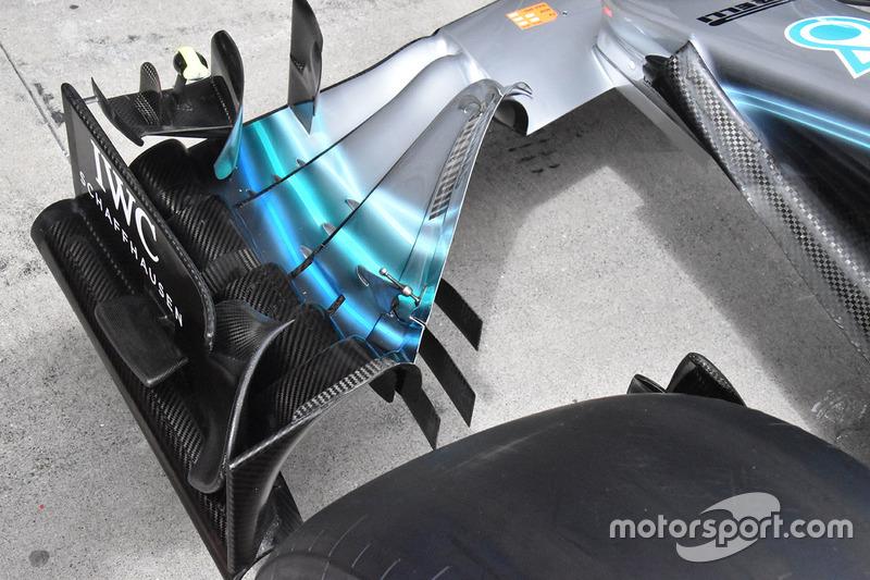 Переднее крыло Mercedes F1 W09