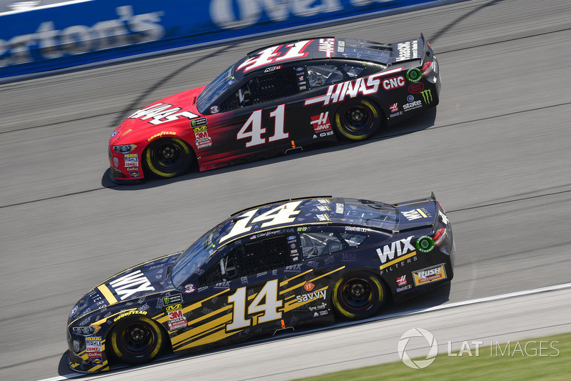 Clint Bowyer, Stewart-Haas Racing, Chevrolet Camaro WIX Filters, Kurt Busch, Stewart-Haas Racing, Ford Fusion Haas Automation